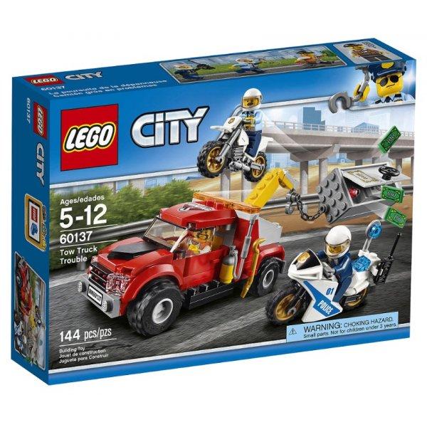 Набор Лего Конструктор LEGO City 60137 Побег на буксировщике